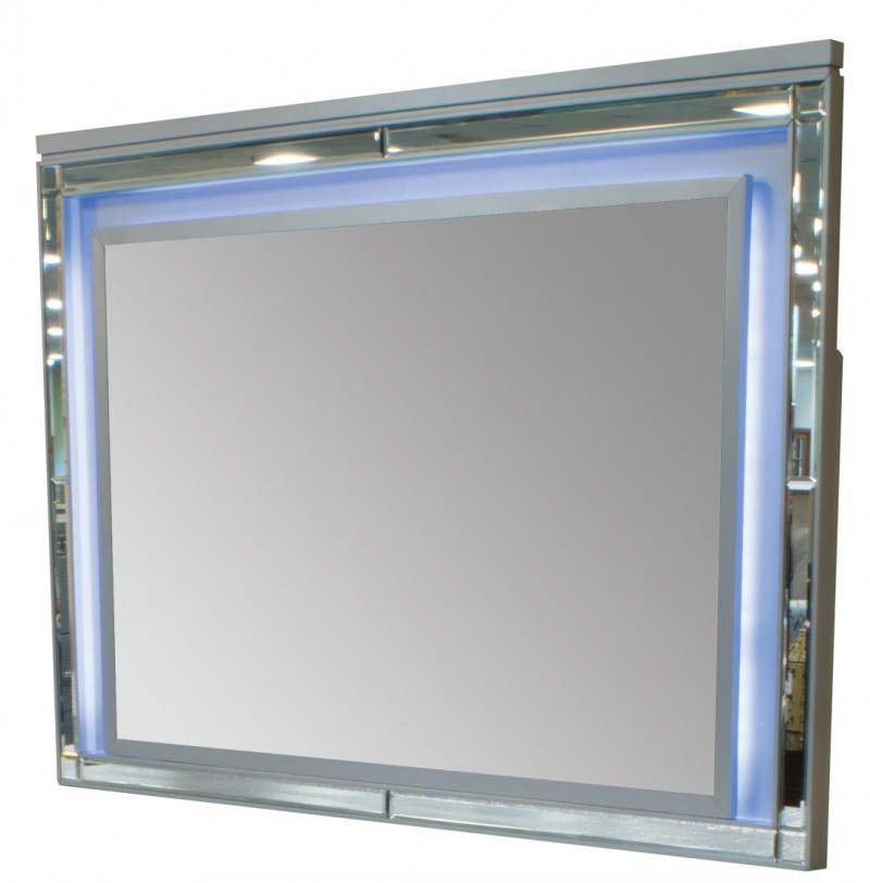 American Imports   VALENTINO SILVER MIRROR LIGHTED