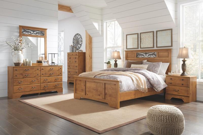 Signature Design | Bittersweet Pine Queen/Full Panel Bed