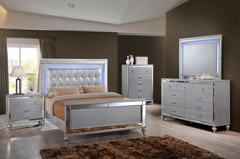 American Imports | VALENTINO SILVER QUEEN LIGHTED BED, DR,MR
