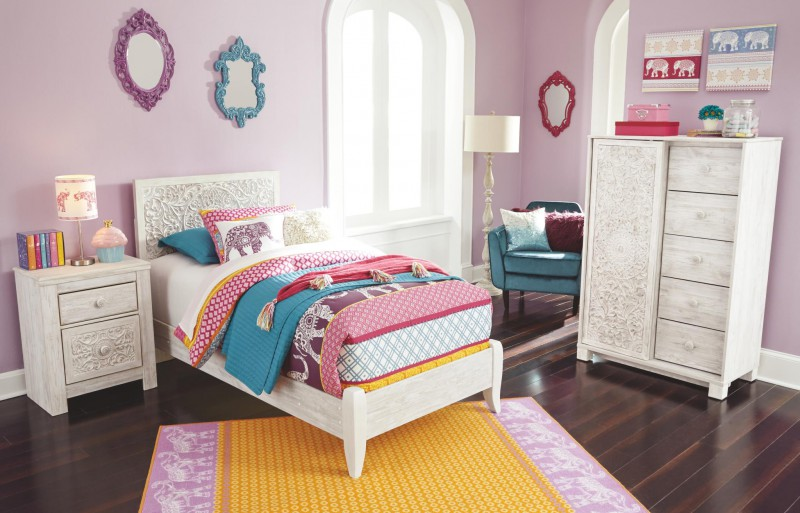 Signature Design Paxberry Whitewash Queen bed