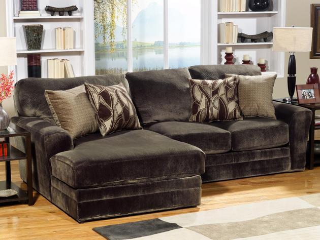Jackson Furniture | Chocolate 2pc w/ 2337-28 Iron Throw Pillows