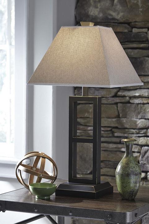 Signature Design   Deidra Black Pair of Lamps