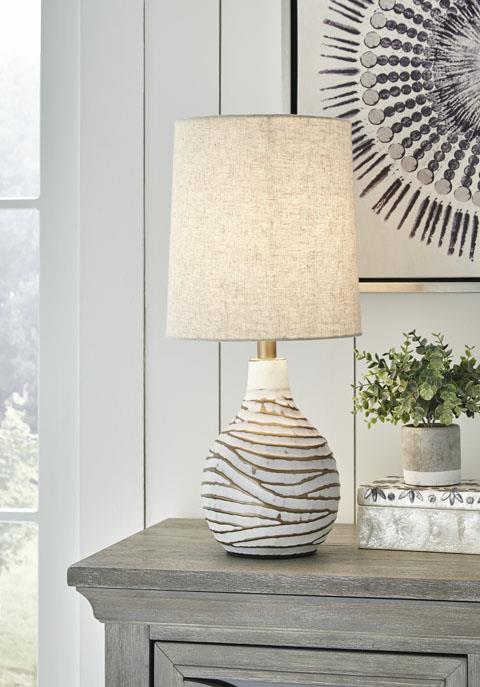 Signature Design | Aleela 2 Lamp set