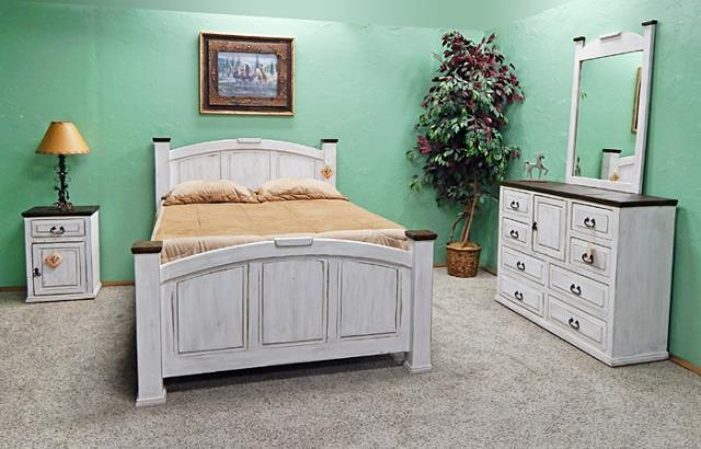 Million Dollar Rustic | Weathered Wht w/Coffee Top Queen Econo Mansion Bed