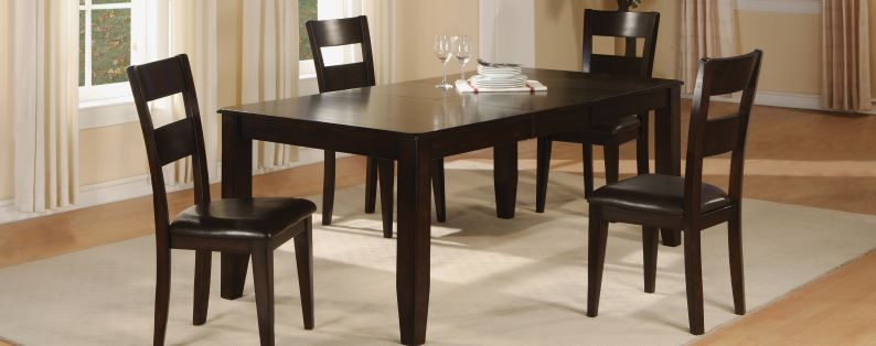 Hardy Dining Table & 4 Chairs