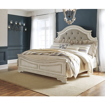 Signature Design Realyn King Bed